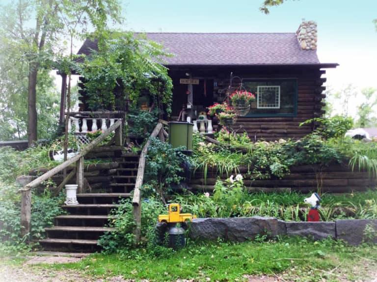 Logo cabin Antique Store